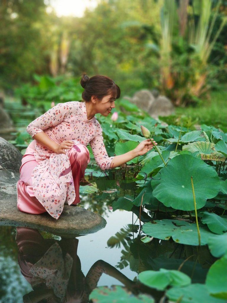 Áo dài Cô Ba Sài Gòn hoa nhí