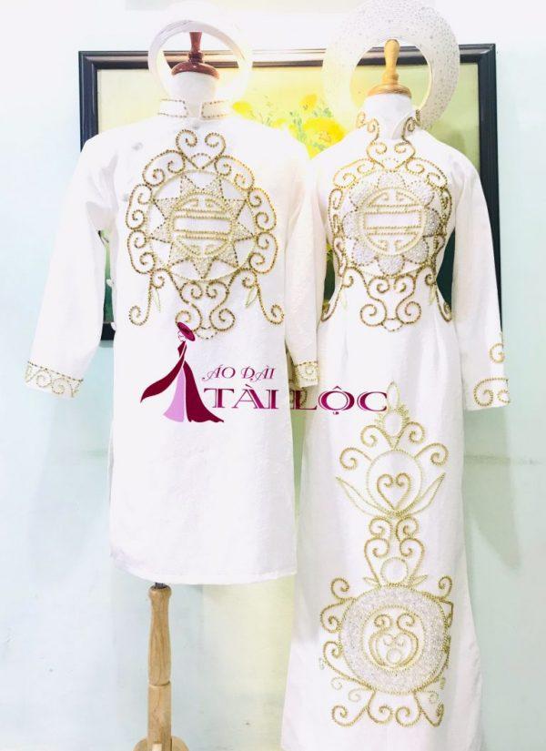 áo dài đôi nam nữ màu trắng