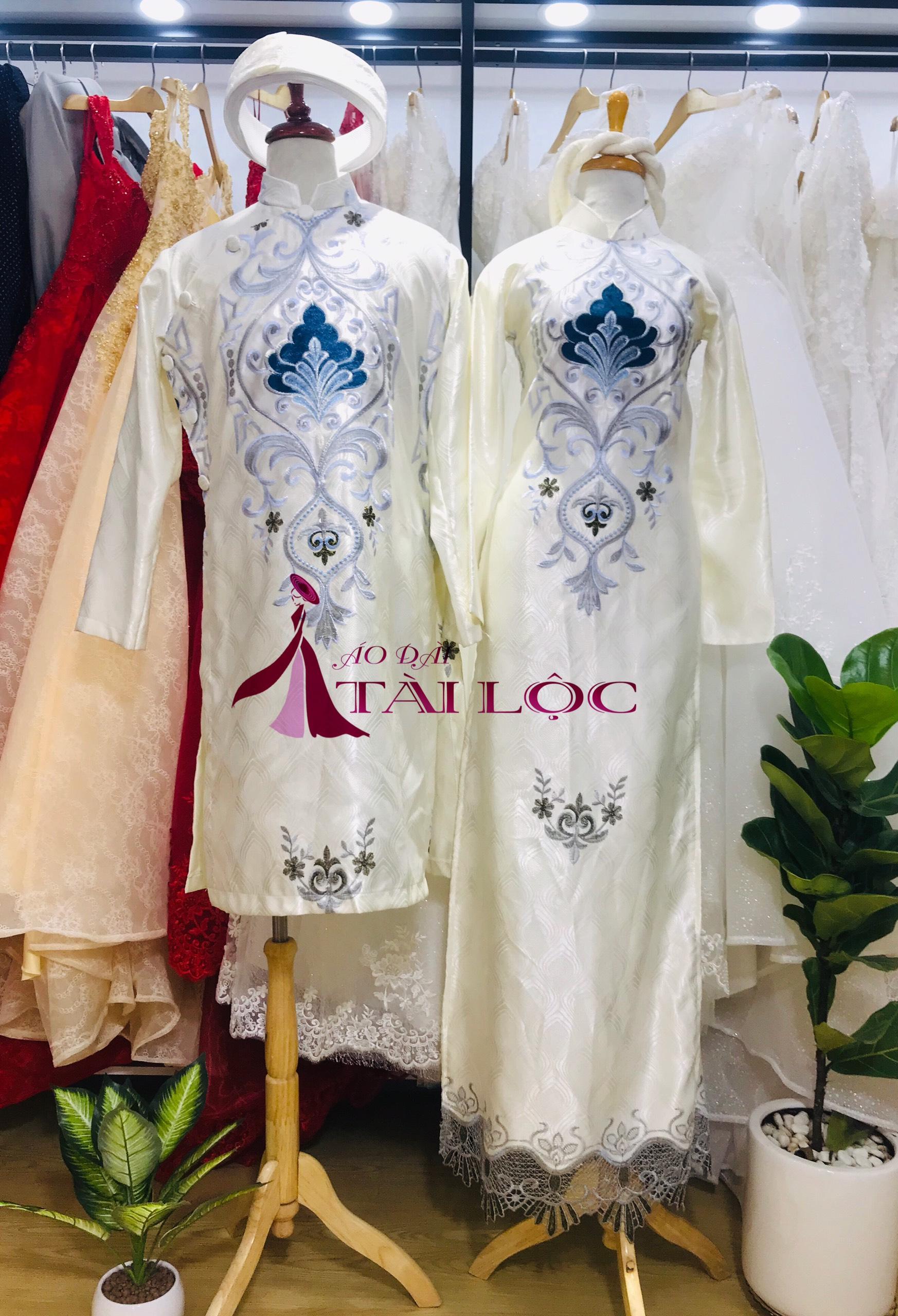 Thuê áo dài cặp màu trắng nam nữ