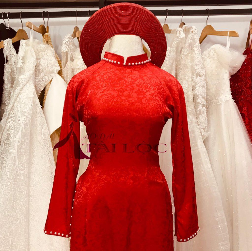 Áo dài cưới đỏ trơn vải gấm đơn giản