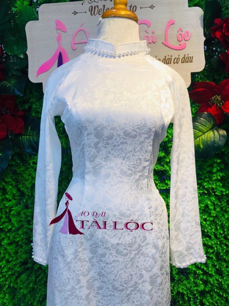 Áo dài cô dâu màu trắng trơn đang trở thành xu hướng được lựa chọn nhiều nhất