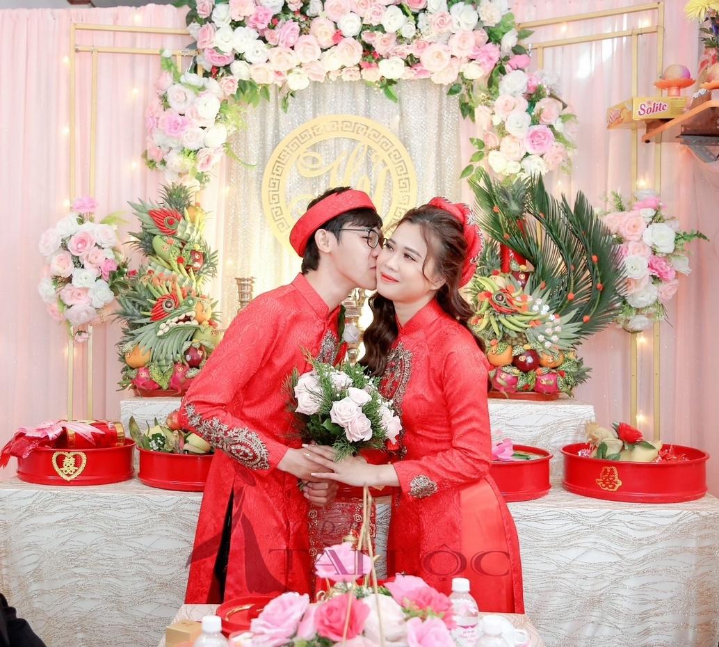Xu hướng áo dài cưới đỏ 2021 cô dâu không thể bỏ qua