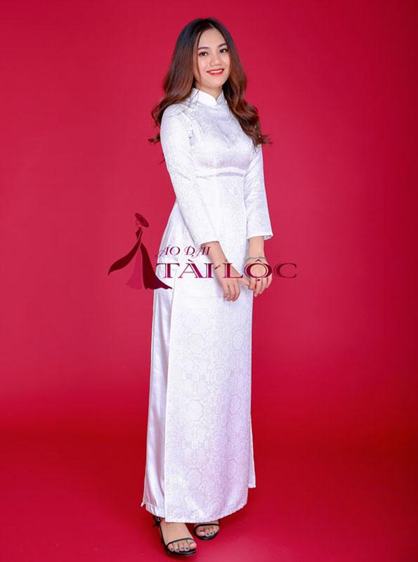 Thuê áo dài cưới màu trắng trơn