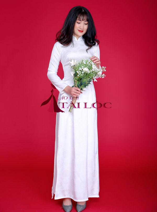 Áo dài cưới trắng trơn vải gấm hoa