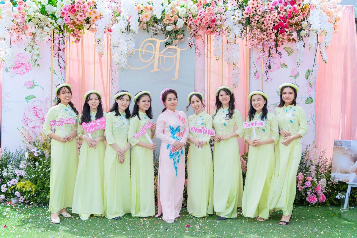 Lựa chọn mẫu cho áo dài cưới?
