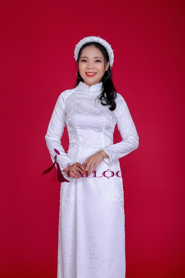 Áo dài cô dâu vải gấm trắng trơn