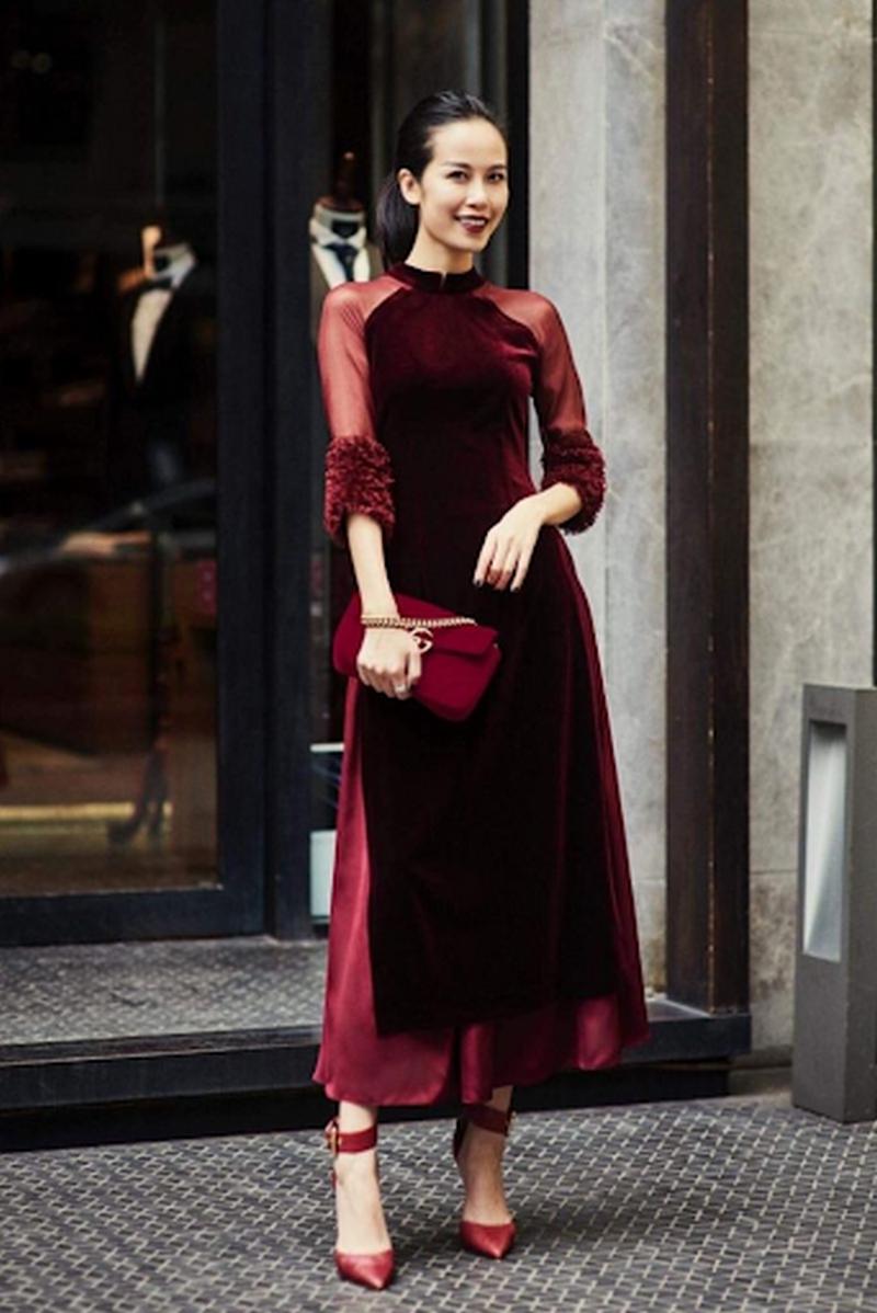 Những bộ áo dài cách tân làm từ chất nhung tạo cảm giá chín chắn hơn khi mặc