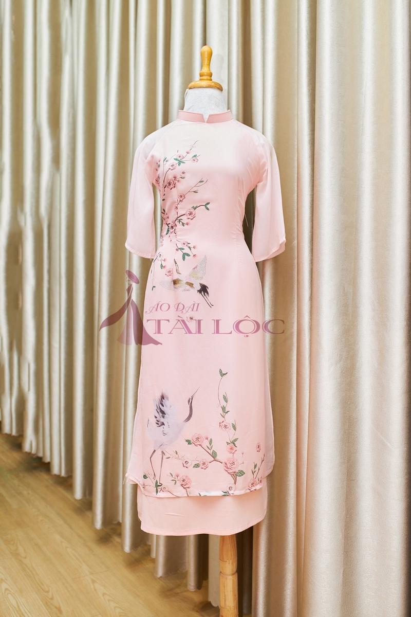 Mẩu áo dài phụ dâu màu hồng 2 tà
