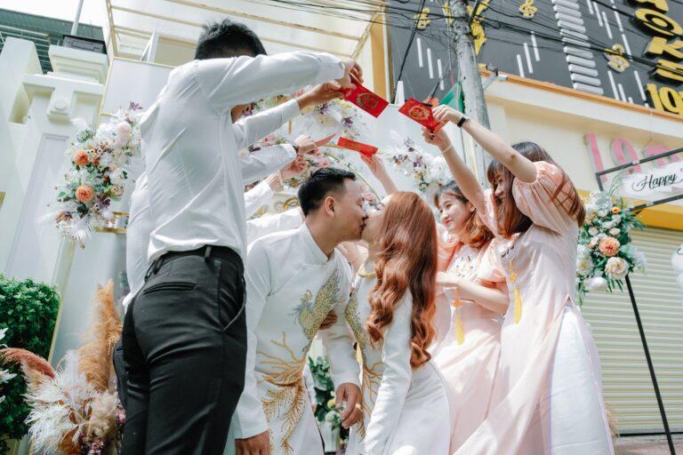 Giá Thuê áo dài cưới giá bao nhiêu tiền tại Áo Dài Tài Lộc?
