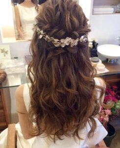 Kiểu tóc cô dâu tết nửa đầu