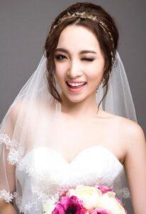 Tóc cô dâu đẹp kết hợp khăn voan