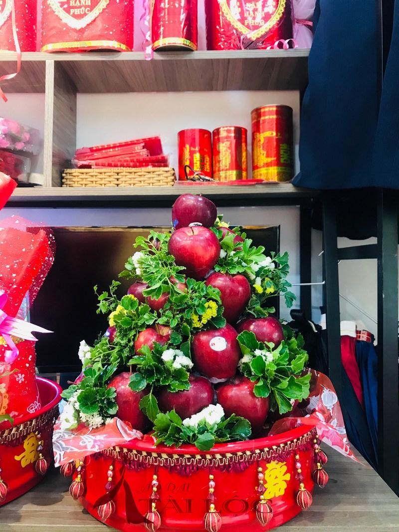 mâm quả táo đỏ