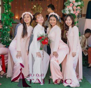 Nên thuê áo dài cưới hay may áo dài cưới ?