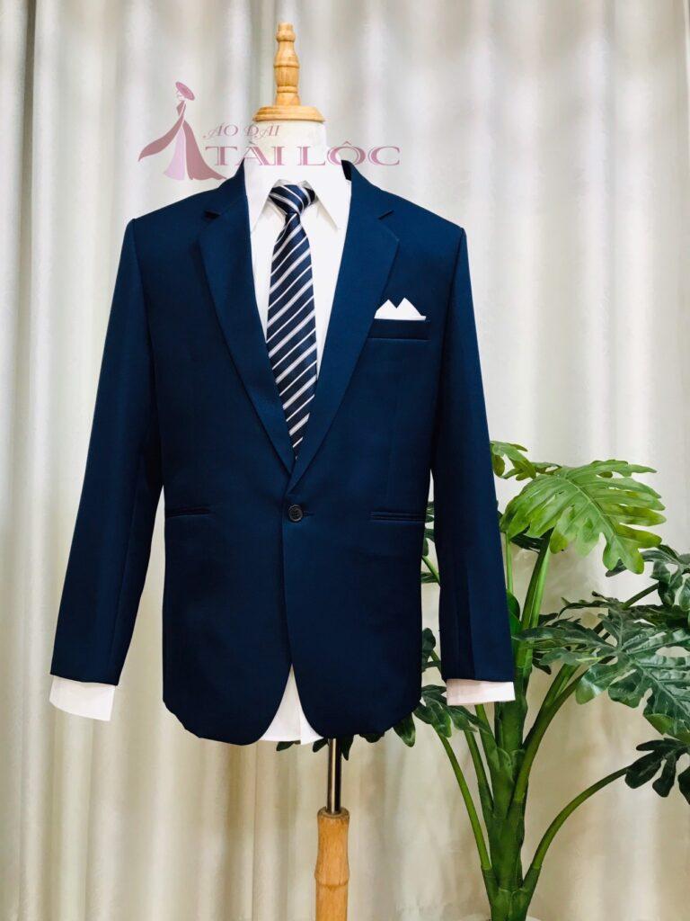 Chọn áo vest cưới phù hợp với dáng người