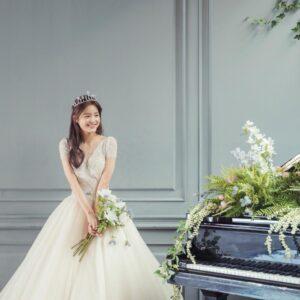 Tóc cô dâu kiểu Hàn Quốc nhẹ nhàng, tinh tế.