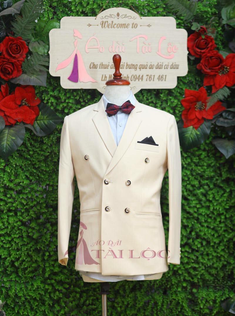 Mẩu áo vest nam cưới màu kem