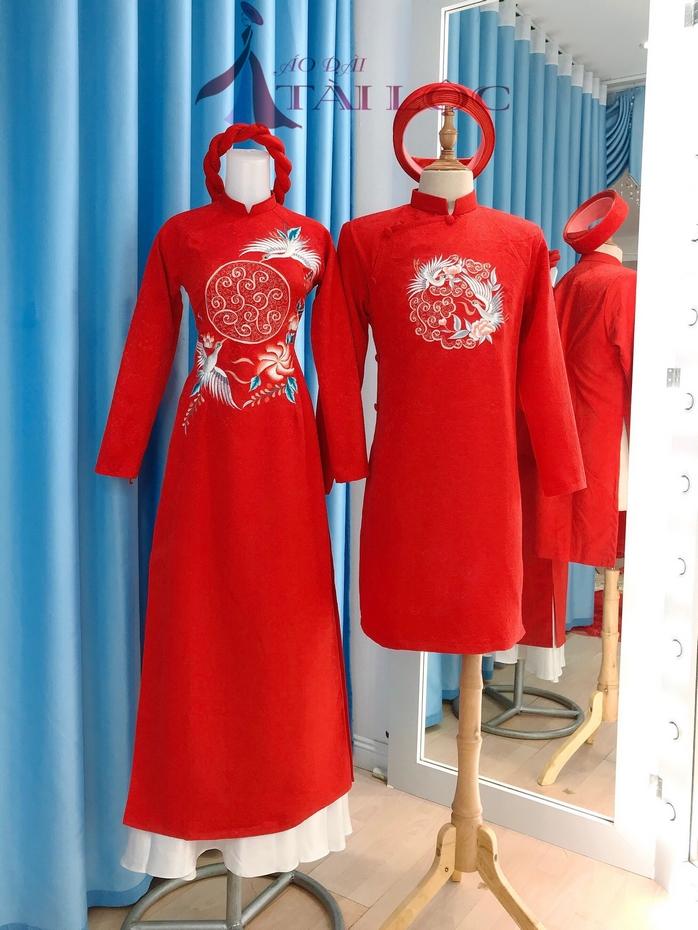Áo dài cặp cô dâu chú rể màu đỏ gấm